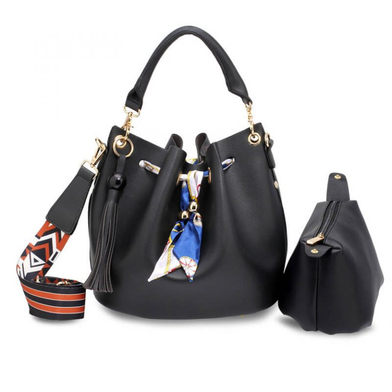 Black Drawstring Bucket Bag With Pouch_