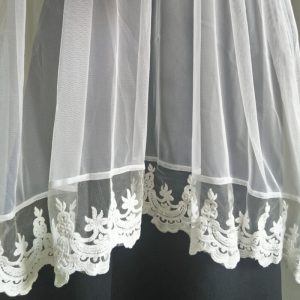 White Net Dupatta With Lace On Bottoms
