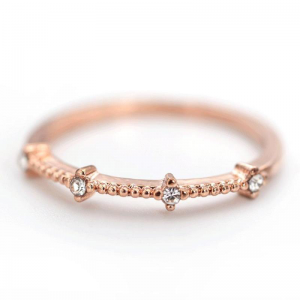 Gold Ring With Diamantes 1