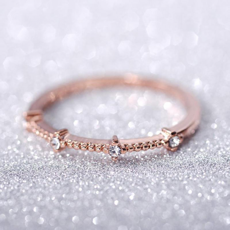 Gold Ring With Diamantes 3