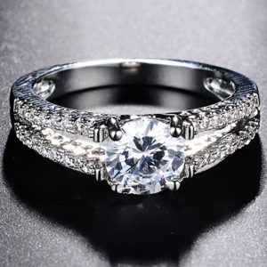 Full Diamantes - Silver AAA Zircon Ring For Women