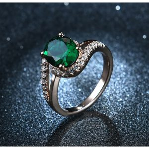Diamantes Ring For Ladies With Green Stone