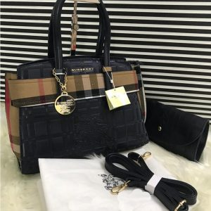 AAA Quality Branded Burberry 2 Peice Bag With Burberry Keychain - Navy.