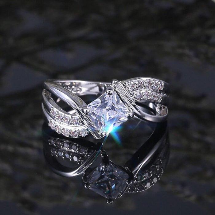 Diamantes Ring For Women Silver